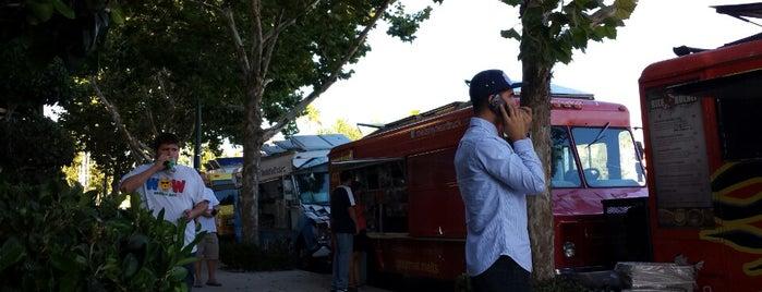 Food Truck Tuesday is one of สถานที่ที่บันทึกไว้ของ Vu.
