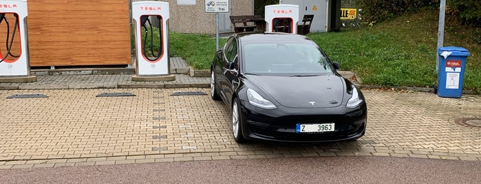 Tesla Supercharger Nossen is one of Acarさんのお気に入りスポット.