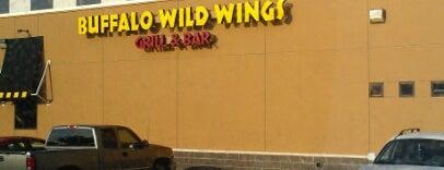 Buffalo Wild Wings is one of Tempat yang Disukai Matthew.