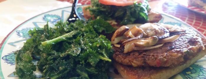 Kale Cafe is one of Tempat yang Disukai Lakesha.