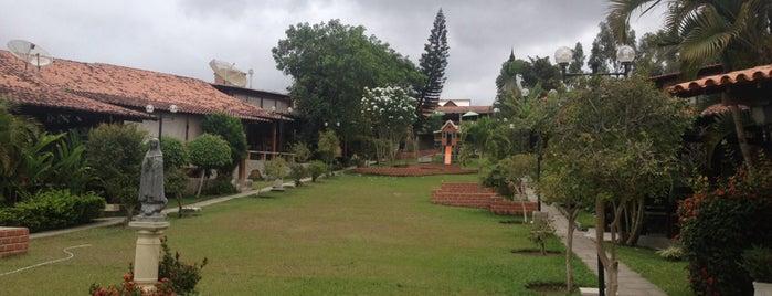 Privê Serrano is one of Tempat yang Disukai Paula.