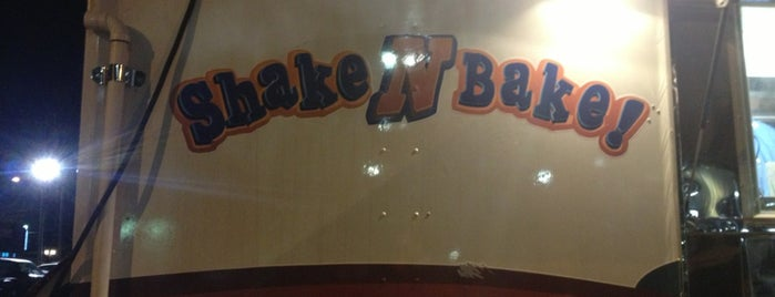Shake N' Bake is one of Ivimto's Liked Places.