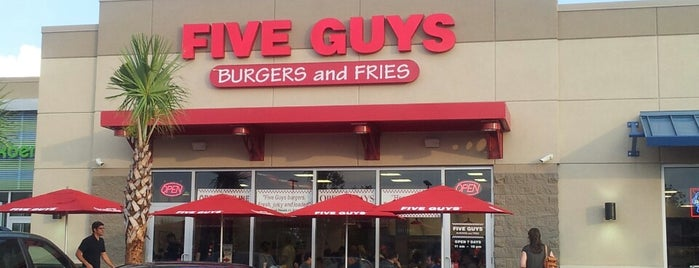 Five Guys is one of Lugares favoritos de Michael.