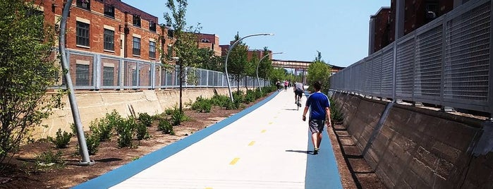 Bloomingdale Trail — The 606 is one of Tempat yang Disukai Stefanie.