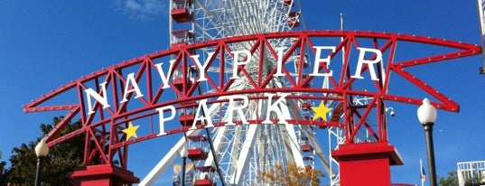 Navy Pier is one of Lugares favoritos de Erika.