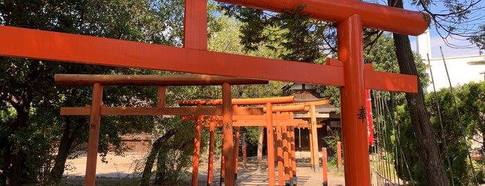 尾張八幡神社 is one of Tempat yang Disukai Hideyuki.