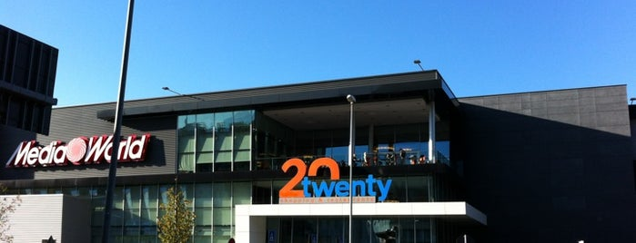 20Twenty Shopping Center is one of J 님이 좋아한 장소.