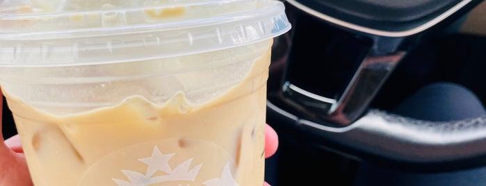 Starbucks is one of Melissa : понравившиеся места.
