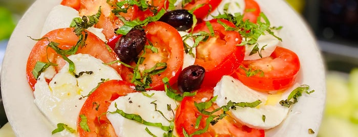 The Salad Bar is one of Melissa : понравившиеся места.