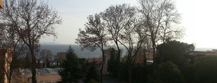 MSB Sarayburnu Öğrenci Yurdu is one of Lieux qui ont plu à Firat Baris.