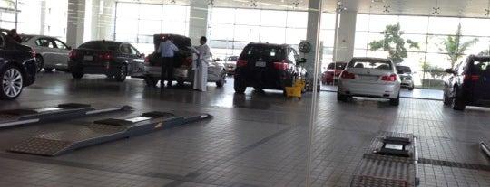 Al Naghi BMW Service Center is one of Lugares favoritos de Tawfik.
