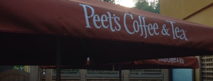 Peet's Coffee & Tea is one of Michaelさんのお気に入りスポット.