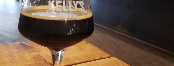Mother Kelly's Bottle Shop And Tap Room is one of Locais curtidos por Carl.