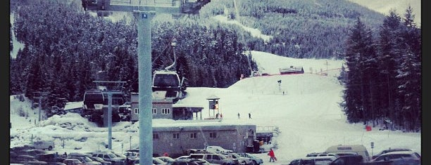 Blackcomb's Excalibur Gondola is one of Tempat yang Disukai Jack.