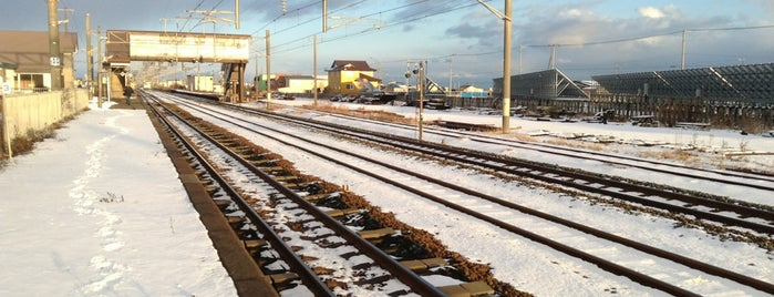 Nishikioka Station is one of JR 홋카이도역 (JR 北海道地方の駅).