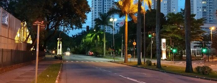 Avenida Industrial is one of Locais onde Truck parou.