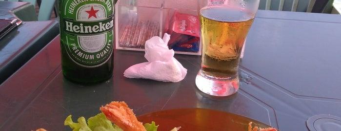 Recantinho Bar e Restaurante is one of Lugares guardados de Santiago.