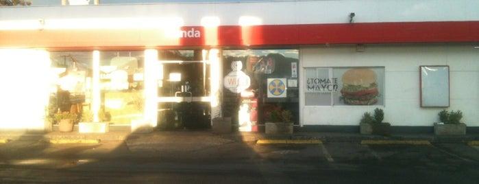 Shell is one of สถานที่ที่ Mario ถูกใจ.