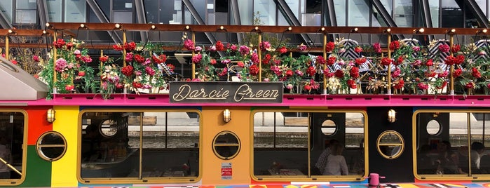 Darcie & May Green is one of London ••Spottet••.