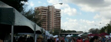 Coral Gables Farmers Market is one of Locais curtidos por John.