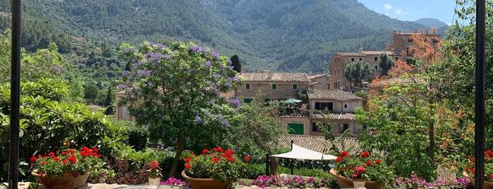 Belmond La Residencia is one of Modern Lux Hotels.