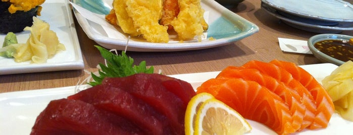 Hamano Sushi is one of Lieux qui ont plu à Erin.