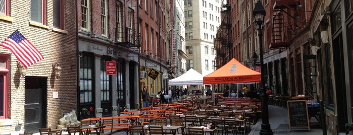 Stone Street Tavern is one of The Best of the Financial District.