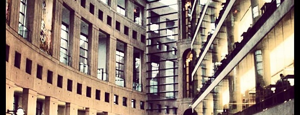 Vancouver Public Library is one of Cafes in Vancouver.