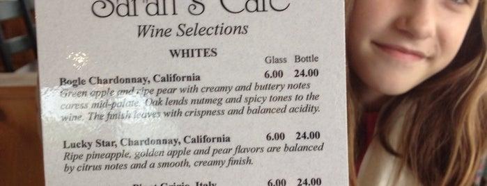 Sarah's Cafe is one of สถานที่ที่ Michael ถูกใจ.