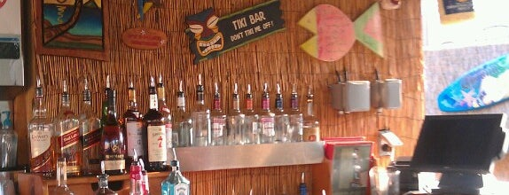 Whitlow's Rooftop Tiki Bar is one of US: VA Night.