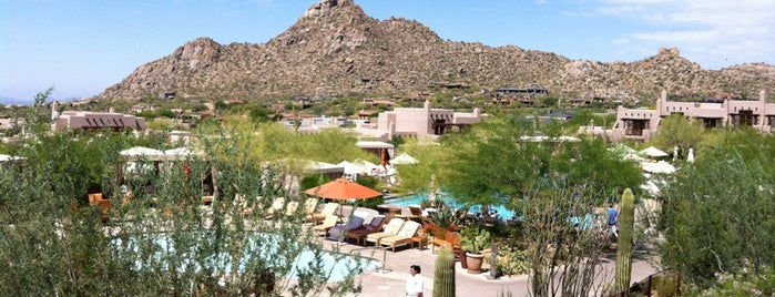 Four Seasons Resort in Scottsdale is one of Tempat yang Disukai Justin Eats.