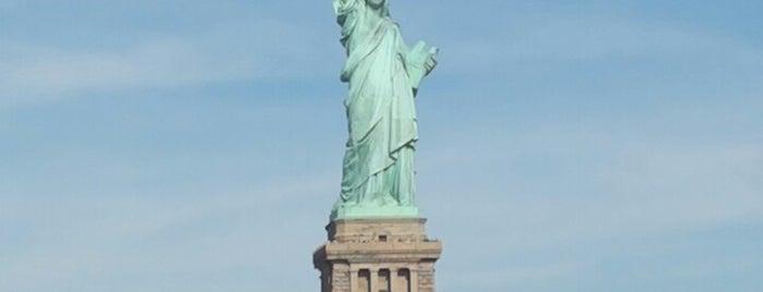 자유의 여신상 is one of NYC.