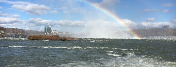 Niagara Falls (Canadian Side) is one of Tempat yang Disukai @lagartijilla83.