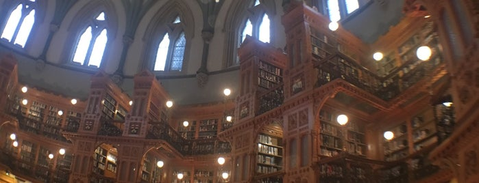 Parliament of Canada - Centre Block is one of Tempat yang Disukai @lagartijilla83.