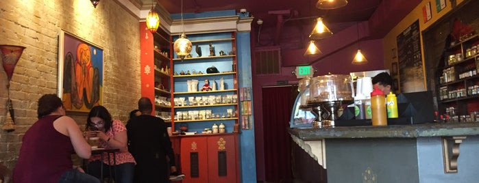 Calabash Teahouse & Cafe is one of Posti che sono piaciuti a Angie.