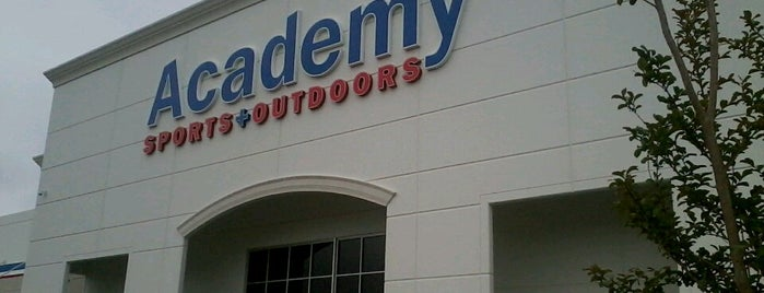 Academy Sports + Outdoors is one of Joshua'nın Kaydettiği Mekanlar.