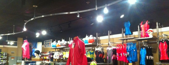 Runners High 'n Tri is one of Chicago's 10 Best Running Shops.