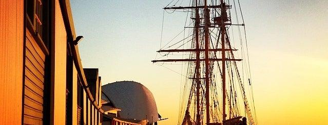 Fremantle is one of Jas' favorite urban sites.