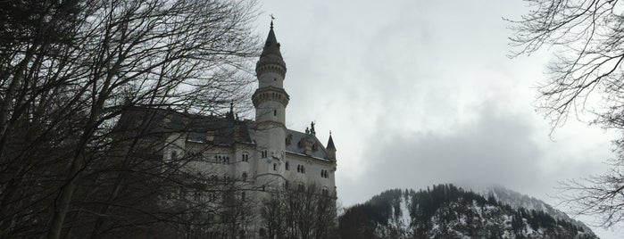 Neuschwanstein is one of Lugares favoritos de Fernanda.
