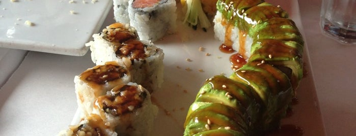 Butterfly Sushi Bar is one of Lieux qui ont plu à Brandon.