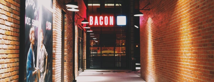 Bacon Social House is one of 19-Den.
