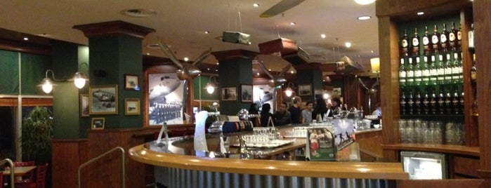 Dakota's Restaurant is one of Schiphol.