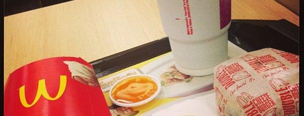 McDonald's is one of Lieux sauvegardés par Chaimongkol.