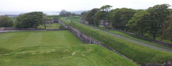 Berwick-upon-Tweed Castle and Ramparts is one of Lugares favoritos de Carl.