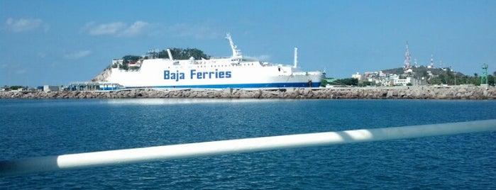 API Transbordadores ( Baja Ferries ) is one of Lieux qui ont plu à MaJo.