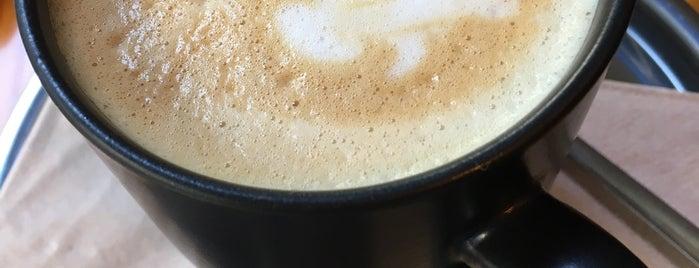 Kafital Coffee Roastery & Cocktail Bar is one of Curiosity.