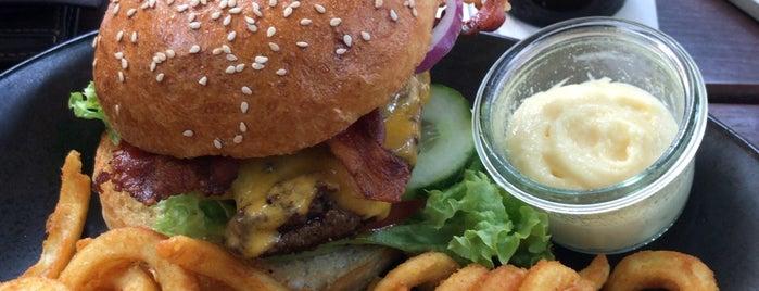Meat Love Burger & Bar is one of Duisburg Vegan.