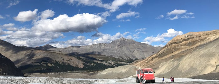 Columbia Icefield Glacier Adventure is one of Jasper & Banff List.