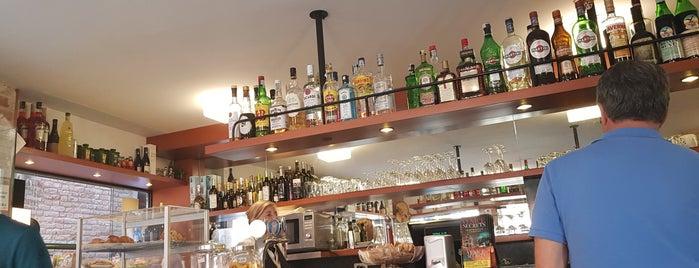 Bar Redentore is one of Locais curtidos por James.