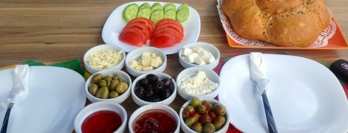 Miami Cafe is one of Kahvaltı.